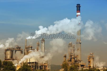contaminacion de una planta petroquimica cerca