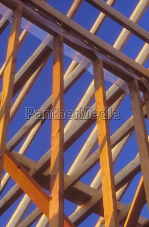 construir disenyo madera fuerte perpendicular bajo
