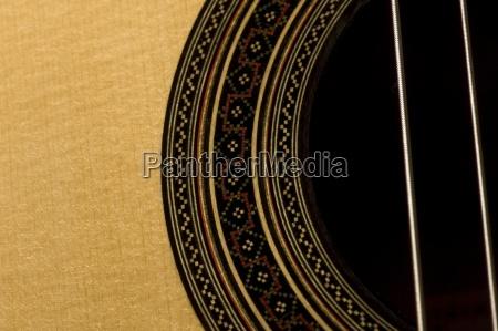 cerca de cuerdas de guitarra