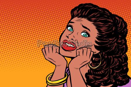 mujer asustado manos en su cara
