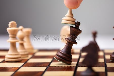 peon derrotando a king piece