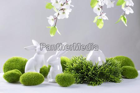ceramica conejos de pascua y huevo