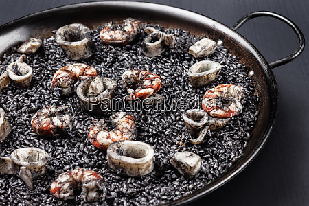 black rice with sea food