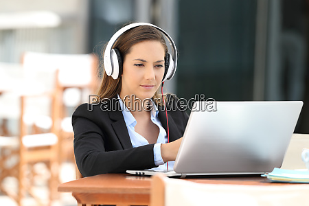 portatil computadora ejecutivo empresario negocio en