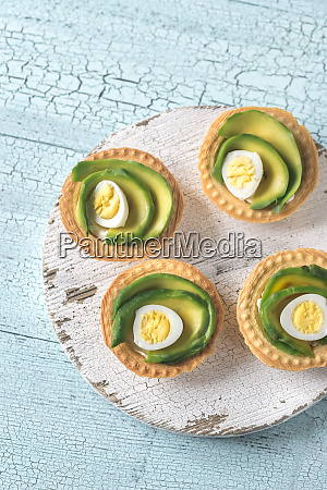 tartlets with cream cheese avocado and