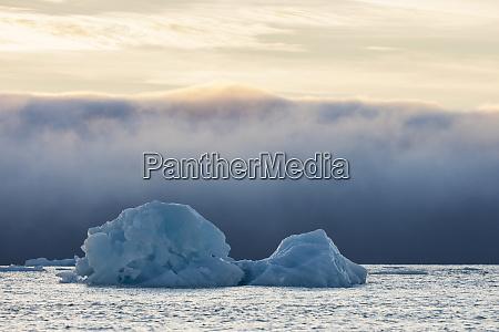 noruega svalbard kvitoya iceberg y banco