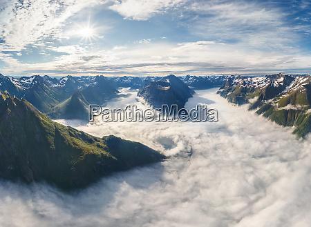 vista aerea de la cadena montanyosa