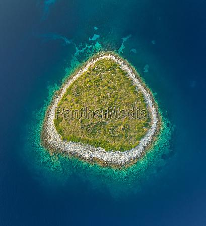 vista aerea de la aislada isla