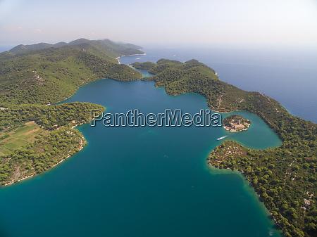 vista aerea del gran lago con