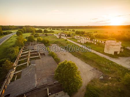 vista aerea de las ruinas industriales