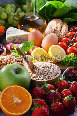 surtido de productos alimenticios organicos en