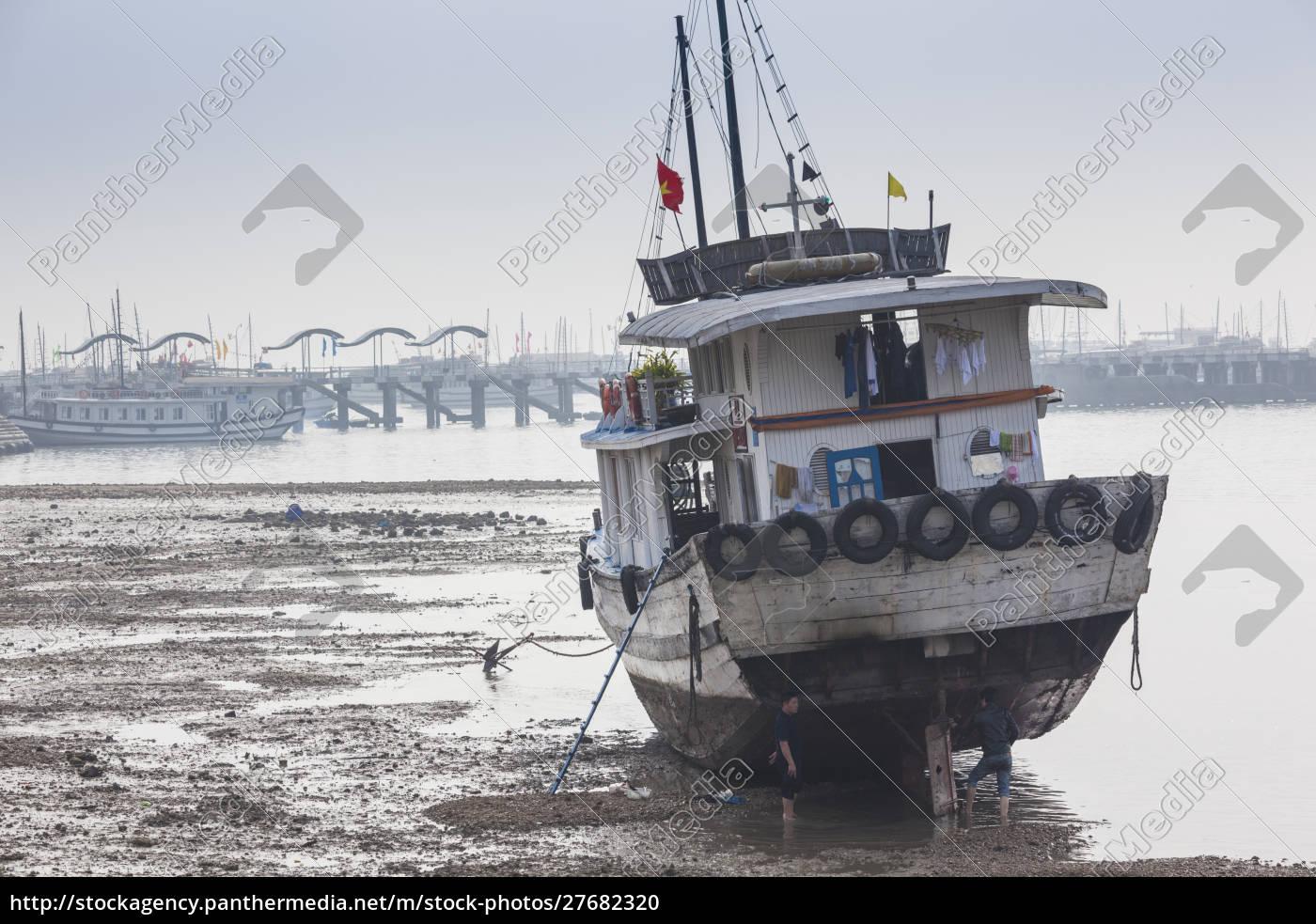 vietnam, halong, city, puerto, de, bai, chay, barcos, turísticos - 27682320