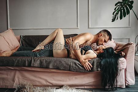 pareja sexy sexo sexual mujer cama