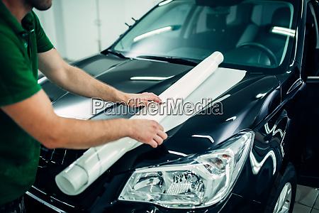 coche automotriz automovil garaje trabajador proteccion