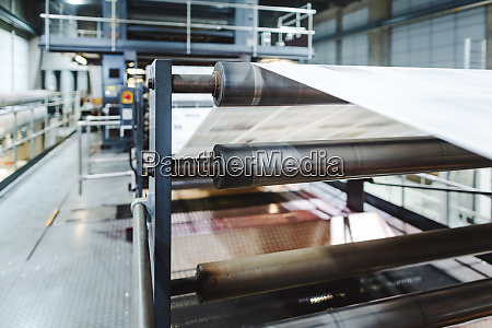 print, line, with, newspaper - 28132394