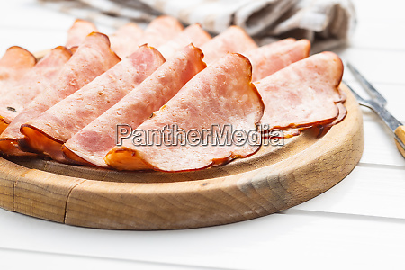 salchicha de salami rebanada jamon ahumado