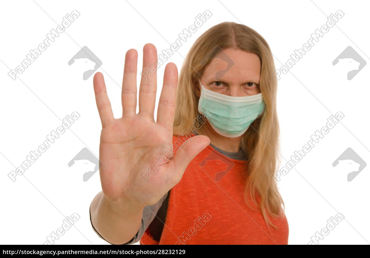 mujer, con, protección, bucal, y, máscara - 28232129