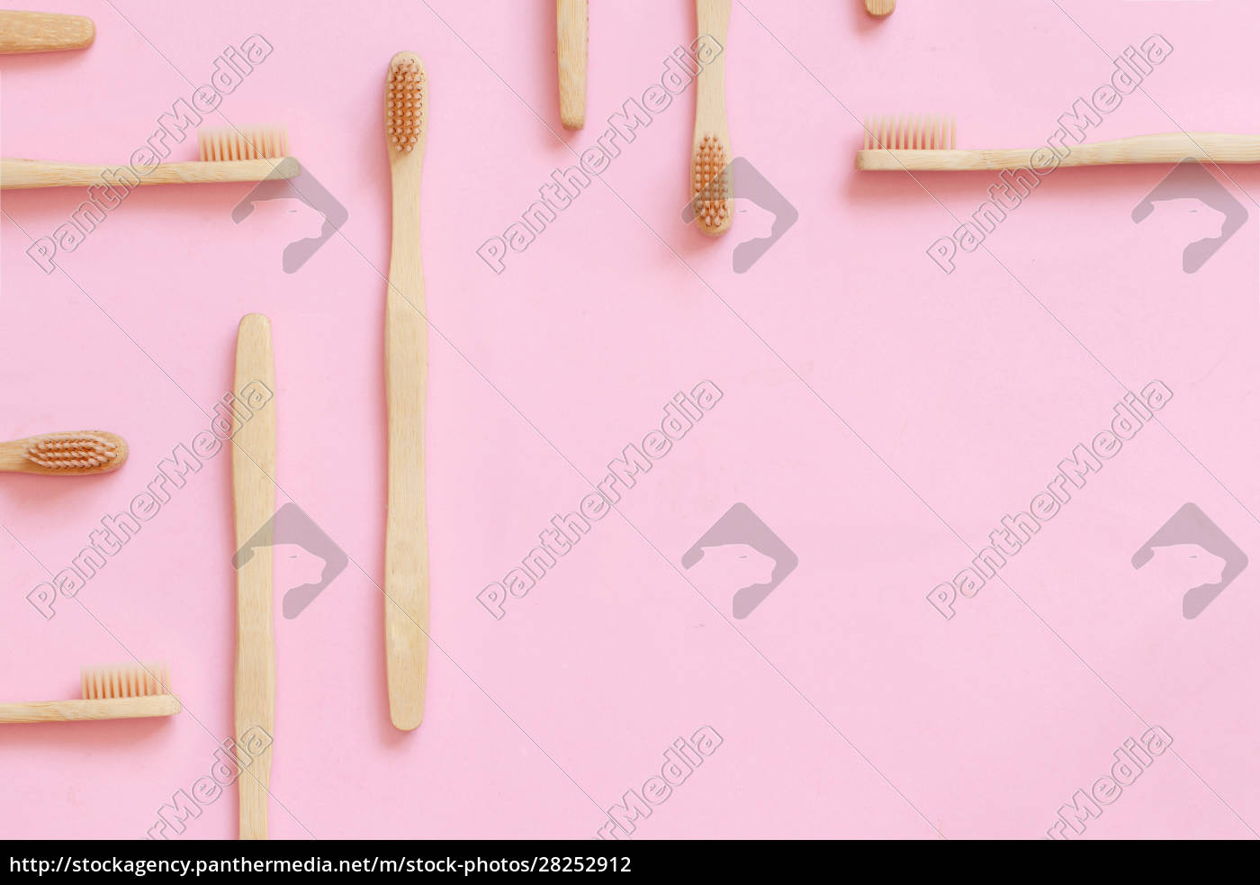 cepillos, de, dientes, de, bambú, ecológicos - 28252912
