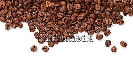 granos de cafe aislados sobre fondo