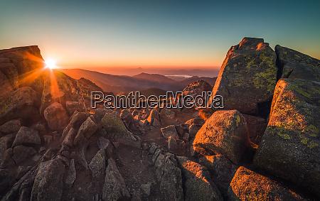 pico de las montanyas rocosas paisaje