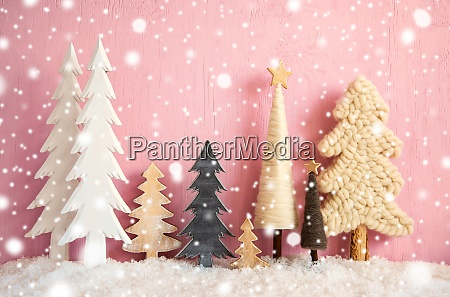 Arboles de navidad nieve rosa grungy