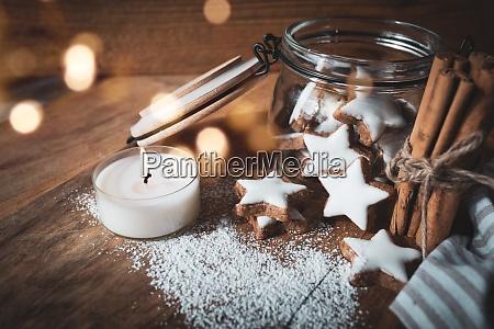 bodegón, navideño, con, estrellas, de, canela - 28939075