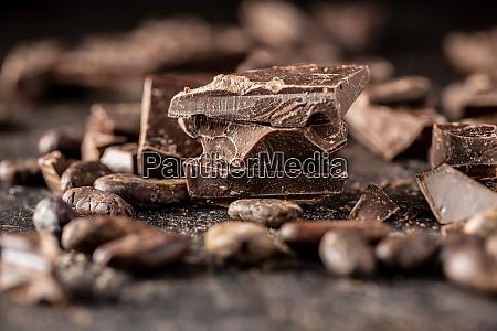 trozos de barra de chocolate chocolate