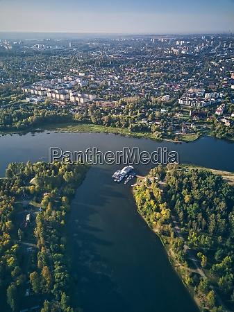 vista aerea de la ciudad junto