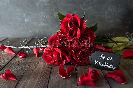 ramo de rosas rojas para el