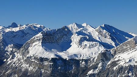 altas montanyas en suiza central vista